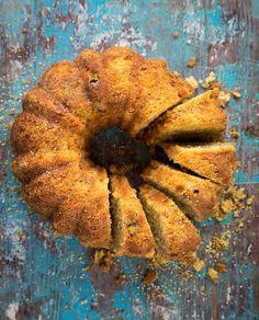 Gluteenittomassa kakussa on mahtavasti makua - lupa ottaa toinenkin pala Gluten Free Baking, Gluten Free Recipes, No Bake Desserts, Deli, Recipies, Food And Drink, Cooking Recipes, Sweets, Vegan