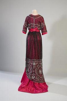 Evening dress, 1910 From the Turun museokeskus