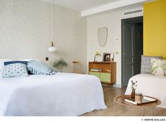 View photos of Hotel Henriette, a chic new boutique hotel in Paris, near rue Mouffetard, the Latin Quarter and other attractions in the Left Bank. Hotel Henriette Paris, Boutique Hotel Paris, Boutique Hotels, Hotel Boheme, Jackson Hole Hotels, Rue Mouffetard, Paris Rooms, Barcelona Hotels, Interiors