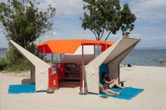 Pop-up beach library