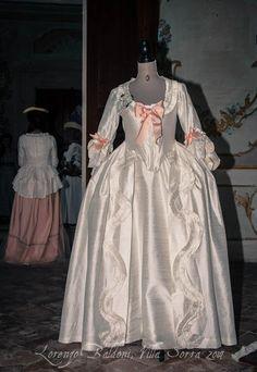 #robe à la #française #1770s #marieantoinette #marie #antoinette #fashion #dress #rococo #andrienne