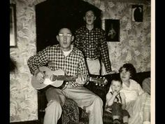 Bluegrass Music- Old Time Music This is not our family but we love to make family music and hear other families make music! Country Music Videos, Country Songs, Gospel Music, My Music, Mans Day, American Folk Music, Make Mine Music, Mountain Music, Barn Dance