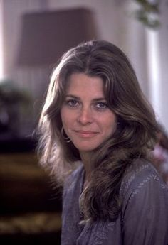 Lindsay Wagner. Another girl crush. I love her look. Beautiful and cute at the same time. Such a likeable actress.