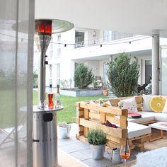 DIY Lounge Ecke aus Paletten / DIY Lounge sofa made of paletts by sammydemmy.de