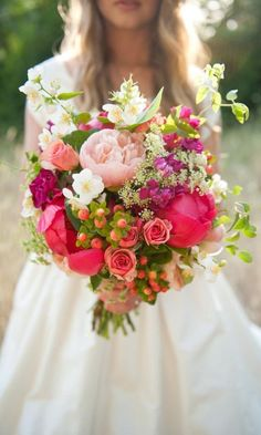 Gorgeous Summer Wedding Bouquets  | summer wedding | | summer wedding ideas | | summer wedding inspiration | | wedding |  | flower bouquet | #summerwedding #summer weddingideas http://www.roughluxejewelry.com/