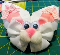 bunny with a bow - Yahoo Image Search Results Ribbon Art, Ribbon Hair Bows, Diy Hair Bows, Ribbon Crafts, Bow Hair Clips, Holiday Hair Bows, Hair Bow Tutorial, Ribbon Sculpture, Making Hair Bows