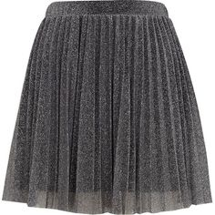 River Island Silver metallic pleated skater skirt (240 MXN) ❤ liked on Polyvore featuring skirts, bottoms, flared mini skirt, silver metallic skirt, flared skirts, knee length pleated skirt and pleated skirt