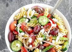 picnics, barbecues or any other outdoor activities. Enjoy the fresh and perfect combination of veggies and pasta in every spoon of the salad Healthy Salad Recipes, Healthy Foods To Eat, Veggie Recipes, Healthy Cooking, Pasta Recipes, Dinner Recipes, Healthy Eating, Cooking Recipes, Yummy Recipes