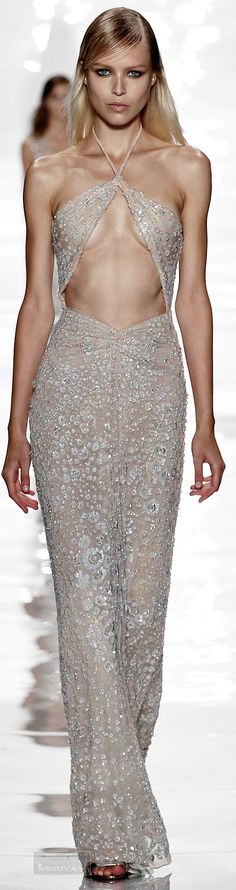 Reem Acra.Spring Summer 2015. Wish it didn't have that missing panel