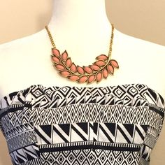 """Vintage Pink Leaf Statement Necklace This vintage pink leaf statement collar necklace is the perfect accessory to any fall outfit. Made of zinc alloy.   Pendant Size: 6.5"""" Length: 18"""" + 2"""" extend chain Jewelry Necklaces"""