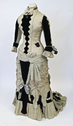 Dress, wool gauze, cotton velvet, silk, unlabelled, American, late 1870s, founder's collection