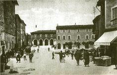 Anni 20 - Piazza Garibaldi Pergola, Taj Mahal, Louvre, Building, Travel, Italia, Branding, Outdoor Pergola, Buildings