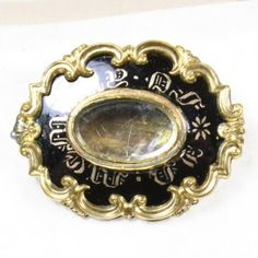 The Mourning Brooch Standard, Early-Mid Century – Art of Mourning Scarf Jewelry, Jewelry Art, Goth Jewelry, Jewellery, Victorian Jewelry, Antique Jewelry, Vintage Jewelry, Antique Locket, Antique Brooches