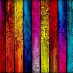houten planken in diverse kleuren