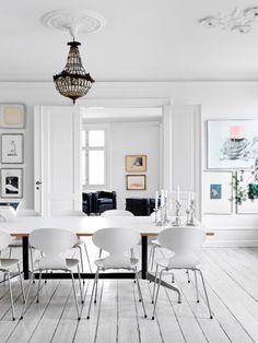 Classic dining SSphere Online Design Magazine www.ssphere.com