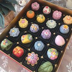 Cute Desserts, Asian Desserts, Dessert Recipes, Eclairs, Cute Food, Yummy Food, Kawaii Dessert, Japanese Sweets, Aesthetic Food