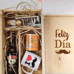 Happy Fathers Day, Mother Day Gifts, Magic Box, Candy Boxes, Gold Print, Gift Baskets, Ideas Para, Ladybug, Coffee Shop