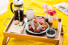 Alert Dads and Dads-to-be: Here are some tips to Mother's Day Breakfast in Bed done right!