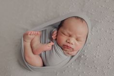 Toronto newborn baby and family photography by Sacha de Klerk photography Newborn Photographer, Family Photographer, Egg Wrap, Newborn Poses, Toronto, Photographs, Teen, Couples, Children