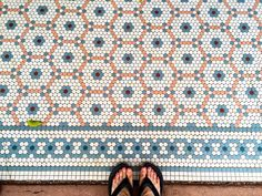 We lucked up finding this wonderful mosaic while strolling in town after visiting @uw_stevens_point campus. It's sometimes hard to believe many of these original tile installations have been around for over 100 years...exquisite! #tileinthewildwednesday #mosaic #tile #wisconsin #tileinthewild #lookdown #ihavethisthingwithtiles #floorcore #pennyrounds #selfeet #tileaddiction #fromwhereistand #amazingfloorsandwanderingfeet #historicpreservation