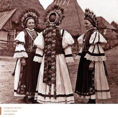 Călățele region from the village of Morlaca (Marótlaka) Romania / ethnic Hungarian folk costume Hungarian Women, Romanian Women, Folk Costume, Costumes, Romania People, Extraordinary People, Vintage Couture, My Heritage, Vintage Photographs