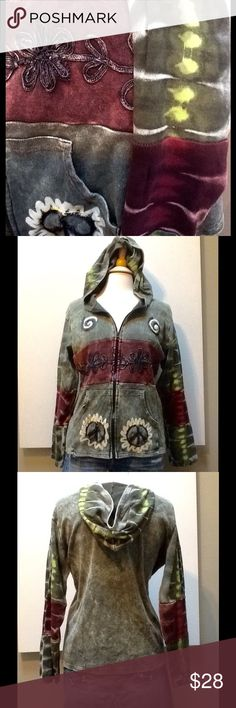☮What's So Funny 'Bout Peace Love & Understanding? Awesome hoodie of unknown origin.  No tags but fits a medium size girl.  Hoodie stylin with trippy detail.  Super duper fall stuff you want and need! 🌸 appears new so let's call it EUC since we don't know for sure. 😘 Tops Sweatshirts & Hoodies