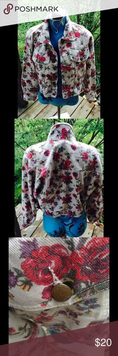 Vintage cropped floral Jean Jacket Size Small Great condition.Third picture contains no filter.Be sure to check out my other items and make a bundle Gitano Jackets & Coats Jean Jackets