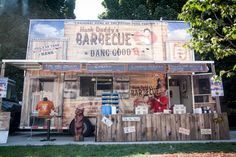 Hank Daddy's food truck satisfies roaming hunger pains with a roster of smokehouse favourites.