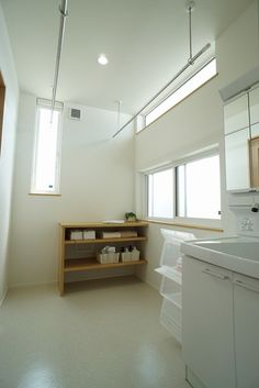 黒部市陽だまりタウン桜井No.22モデル Home Studio, Studio Apartment, Laundry Room, My House, Bathtub, Shower, Bathroom, Interior, Home Decor