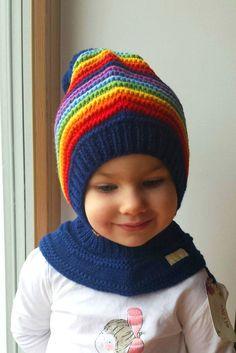 Waldorf ispirato cappello di inverno e la neve. Mano a maglia felpa con  cappuccio   1efca2414008