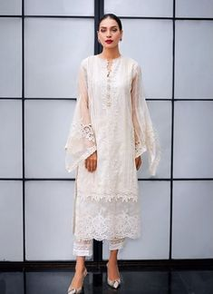 All white is a perennial classic and our kurta is a must-have this season Rema & Shehrbano Pakistani Designer Suits, Pakistani Dress Design, Indian Designer Outfits, Pakistani Outfits, Indian Outfits, Designer Dresses, Chic Outfits, Dress Outfits, Fashion Dresses