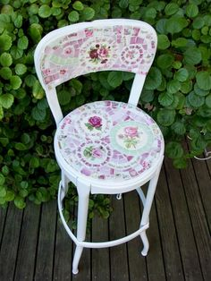 shabby chic kitchen chair done with mosaics from plates