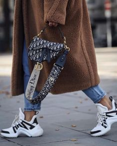 Handbag | Teddy coat | Sneakers | Jeans | Inspiration | More on Fashionchick
