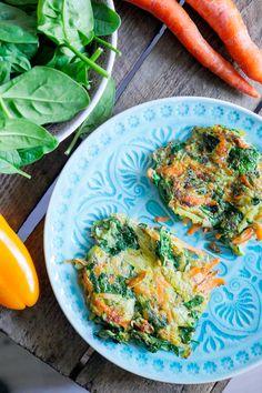 Gemüsepuffer mit Zucchini, Möhren und Babyspinat Low Carb