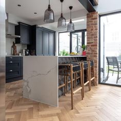 affordable kitchen dining room design ideas for eating with family 00011 ~ Beautiful House Wood Floor Kitchen, Kitchen Flooring, Kitchen Cabinets, Old Wood Floors, Wood Flooring, Herringbone Wood Floor, Dining Room Design, Kitchen Decor, Kitchen Dining
