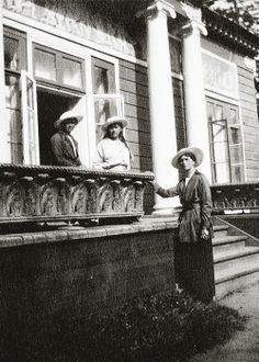 Grand Duchesses Olga, Anastasia and Marie Nikolaevna Romanov.
