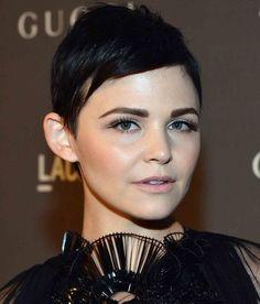 Dark Full shaped eyebrows