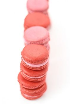 Raspberry Almond Macarons with our Macarons 101: A Beginner's Guide (with printable piping template).