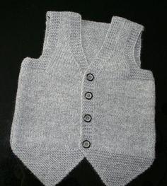 44 Baby Vest Knitting Models You Will Like - Babykleidung Baby Boy Knitting Patterns, Baby Cardigan Knitting Pattern, Knitting Designs, Hand Knitting, Knit Vest, Baby Boy Vest, Baby Pullover, Handmade Baby, Handmade Toys