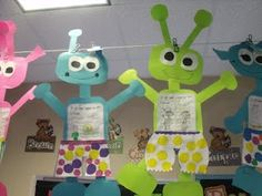I want a clothesline in my classroom.  Had one once and used it all the time.  Mrs Jump's class: Aliens Love Underpants!