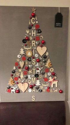 christmas tree ideas unique DIY Christmas Wall Decor Ideas for 2019 that spells out the Christmas joy in the most appropriate way - Saudos Wall Christmas Tree, Noel Christmas, Christmas Signs, Christmas Wall Decorations, Christmas 2019, Simple Christmas, Christmas Images, Tree Decorations, Hobby Lobby Christmas Ornaments