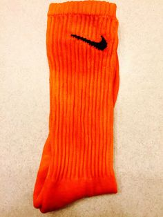 1 (ONE) New Pair Custom Color Nike Socks Mens Size L (8-12)   - Moisture Wicking - Supportive - Arch Compression - Reinforced Toe and Heel - Unisex - Material: Cotton, Polyeser, Nylon, and Spandex Blend.  Standard Shipping is via USPS First Class Shipping.USPS Priority Mail available.  **For orders of a quantity of 10 or higher, an extended handling time may apply.