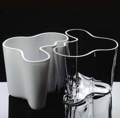 Savoy Vase by Alvar Aalto, available in various colors and sizes. Manufacturer #Iittala. For more details www.iittala.com