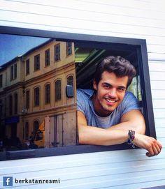 Turkish Men, Turkish Actors, Hayat And Murat, Cute White Boys, Idole, Handsome Actors, Pop Singers, Best Model, Celebs