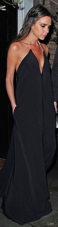 Victoria Beckham in Chic black Maxi.