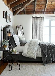 Zimmerdecken Schlafzimmer Balkendecke Naturfarben Helle Wandfarbe