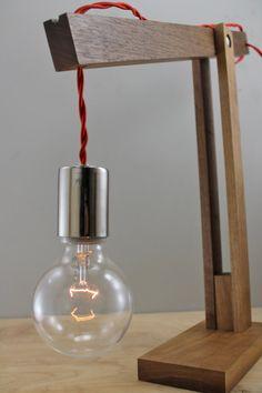La lampe de bras de bois moderne Catapulte en par scandalaskan