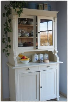 Best Picture For diy furniture patio For Your Taste You are looking for somethi Diy Furniture Renovation, Diy Furniture Redo, Kitchen Furniture, Painted Furniture, Home Furniture, Furniture Design, Furniture Projects, Dresser Furniture, Repurposed Furniture