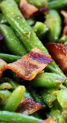 Bacon Green Bean Casserole is a delicious holiday (or any day!) side dish, with fresh green beans and crispy bacon in a sweet & savory brown sugar glaze! Best Side Dishes, Side Dish Recipes, Veggie Recipes, Diet Recipes, Cooking Recipes, Easter Recipes, Thanksgiving Recipes, Fall Recipes, Casserole Dishes