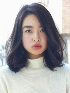 22 ideas hair cuts for women lob curls Asian Short Hair, Medium Short Hair, Medium Hair Cuts, Medium Hair Styles, Short Hair Styles, Wavy Bob Hairstyles, Wedding Hairstyles, Midi Hair, Japanese Haircut